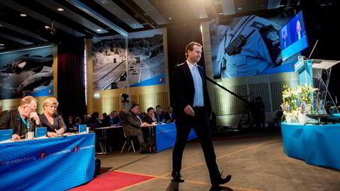 Parlamentarisk nestleder Helge André Njåstad i Frp sier den siste tiden med prosesser og spill rundt regjeringsforhandlingene ikke har vært positivt for Frp.