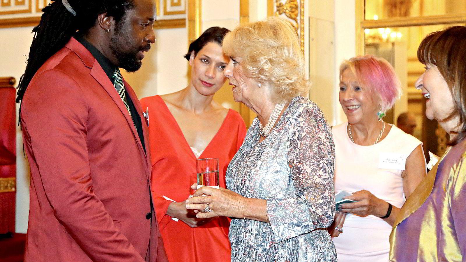 «Og jeg gleder meg voldsomt til å lese romanen din …», sa kanskje Camilla Parker Bowles, hertuginne av Cornwall, da hun møtte Marlon James under 50-årsjubileet for Man Booker Prize på Buckingham Palace nylig.