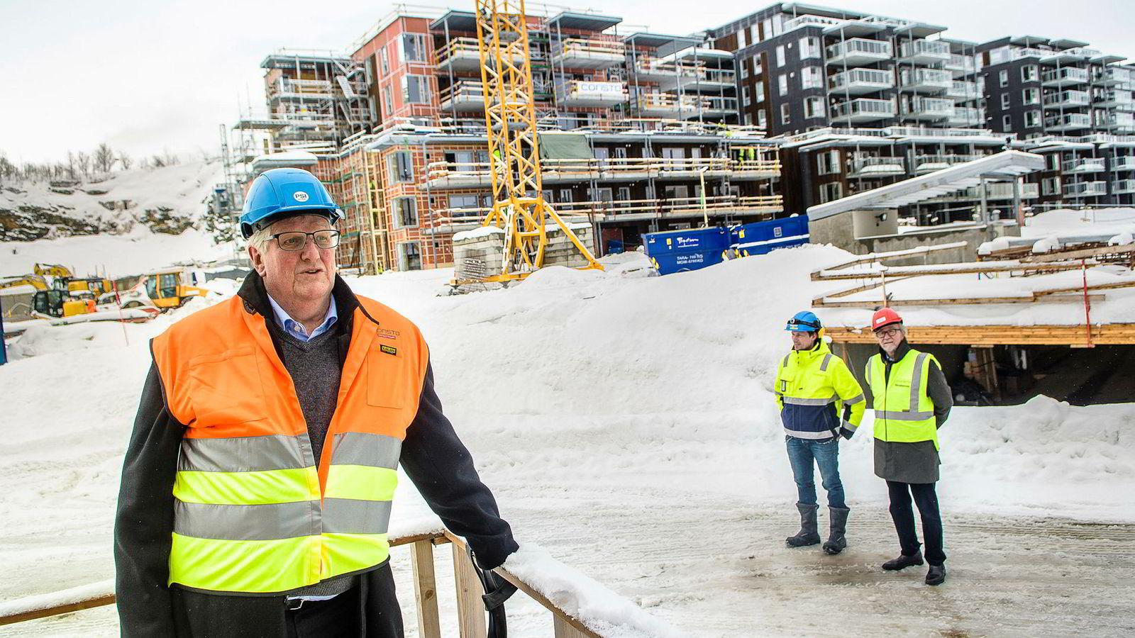 Consto AS bygger ut i Tromsø og vokser i Norge. Fra venstre administrerende direktør Hans Kristian Seterlund, driftsleder Arild Vassnes og kommunikasjonssjef Leo Nygænen.
