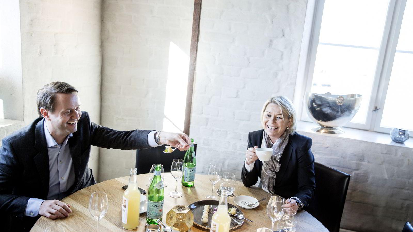 – Jeg mener vi trenger å jobbe med de utfordringene serveringsbransjen har. Men               det er ikke noe mål å lage hindringer for å etablere seg, sier næringsmininster Monica Mæland, som vil fjerne deler av dagens lovverk. Foto: Fredrik Bjerknes