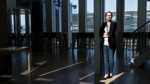 Sjeføkonom i DNB Markets, Kjersti Haugland, forteller at Trumps varsel om økte tollsatser kom uventet og sendte derfor markedene ned kraftig, samtidig var det forventet at også elektronikk-varer skulle få økt tollsats, forteller hun.