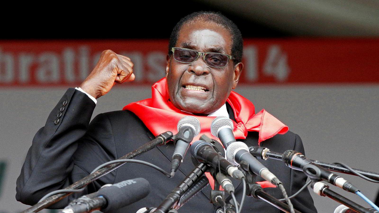 Zimbabwes tidligere president, nå avdøde Robert Mugabe var i konstant konflikt med vestlige land. Ettermælet blir ikke godt. Her fra markeringen av hans 90-årsdag 23. februar 2014.