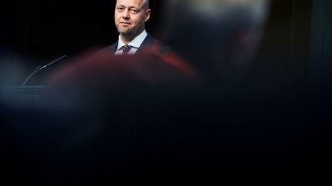 Oljefondet, her ved toppsjef Yngve Slyngstad, slipper trolig unna skattesmell hvis det flytter ut av sentralbanken, ifølge fondets egen rapport. Foto: Per Thrana