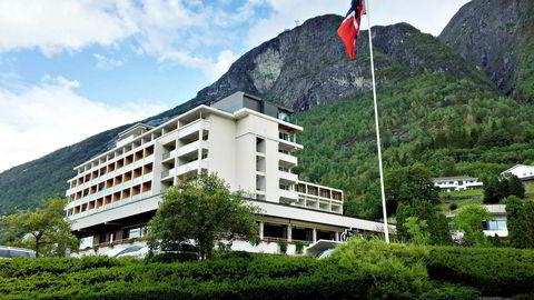 Hotel Alexandra i Loen, innerst i Nordfjord, har historie tilbake til slutten 1880-tallet. Utsikten er fortsatt formidabel, men hotellet hadde ikke hatt vondt av en oppgradering.