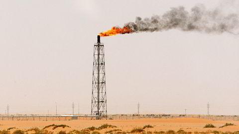 Arkivbilde. Bildet er fra Khurais-feltet, 150 kilometer fra Riyadh. Foto: Ali Jarekji, Reuters/NTB Scanpix