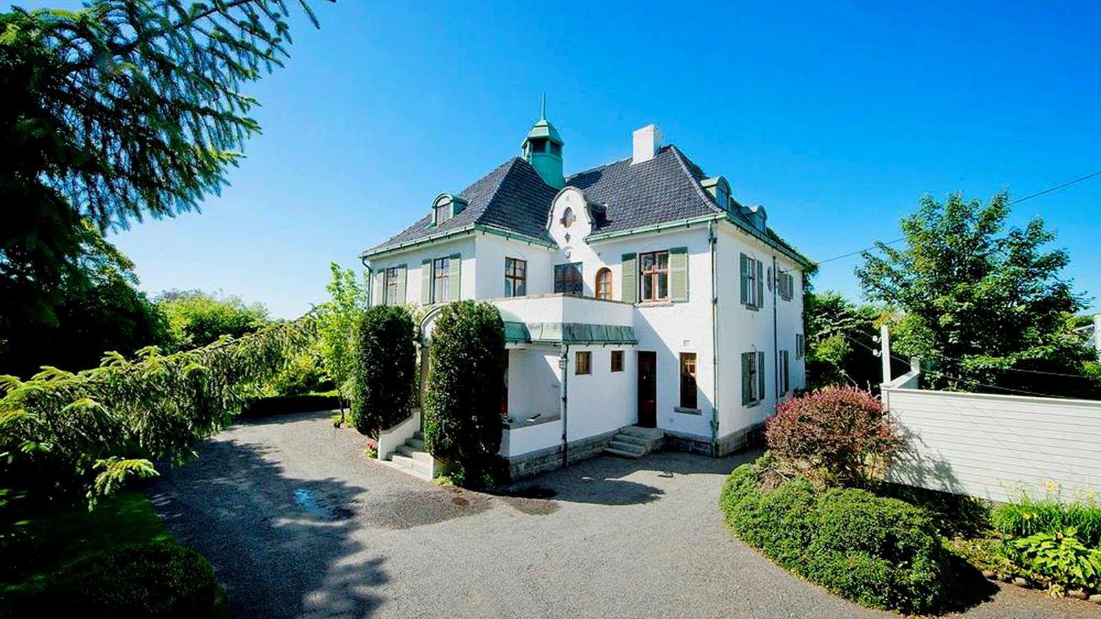 - Dette er et påkostet hus med masse detaljer. Det vil bli en fin plass for meg og barna, sier rederarving Cathrine Hermansen om villaen hun har kjøpt i Stavanger.