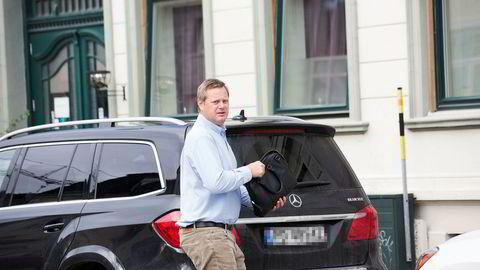 Allerede i begynnelsen av juli begynte det å gå feil for Einar Aas' veddemål i kraftmarkedet. Torsdag smalt bomben om at han sannsynligvis er personlig konkurs.