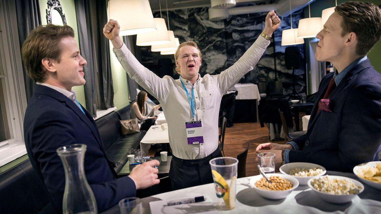 Flowmotion var i 2016 et av studentoppstartsfirmaene som konkurrerte om midlene under crowdfundingeventen på Samfundet i Trondheim, der folk kunne kjøpe aksjer i et av fire firmaer. Fra Flowmotion deltok fra venstre: Lars Mangerud Flesland, Didrik Dege Dimmen og Eirik Husby Dyrset. I sommer gikk selskapet konkurs.