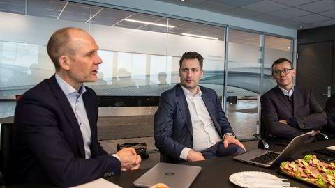 . Ulf-Tore Hekneby, sjef for Harald A. Møller, Thomas Meiner, Skoda-sjef i Norge og Alain Favey, styremedlem i Skoda.