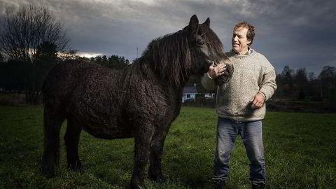 Økobonden. Urs Gamper, som driver biodynamiske Lislerud gård i Østfold, mener glyfosat ødelegger mangfoldet