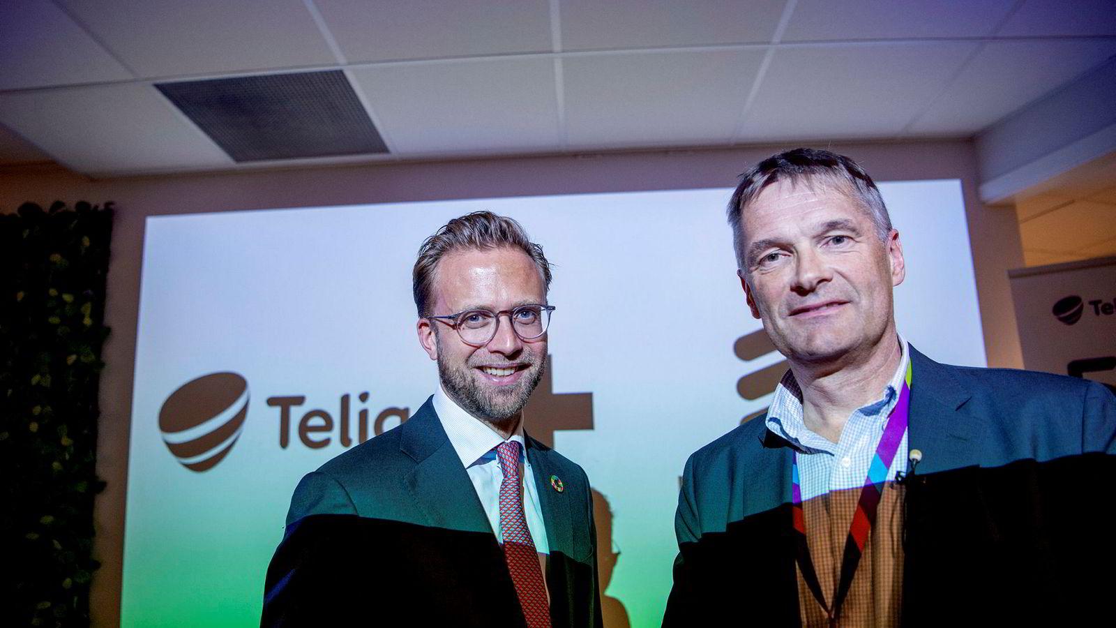 Abraham Foss (til høyre) i Telia Norge har besluttet å bygge ut 5G med kun Ericsson som leverandør. Samtidig fjerner de alle Huawei-sendere fra 4G-nettet. Her under Telias presentasjon tirsdag bekreftet ditaliseringsminister Nikolai Astrup at de ikke har presset Telia til å skifte.