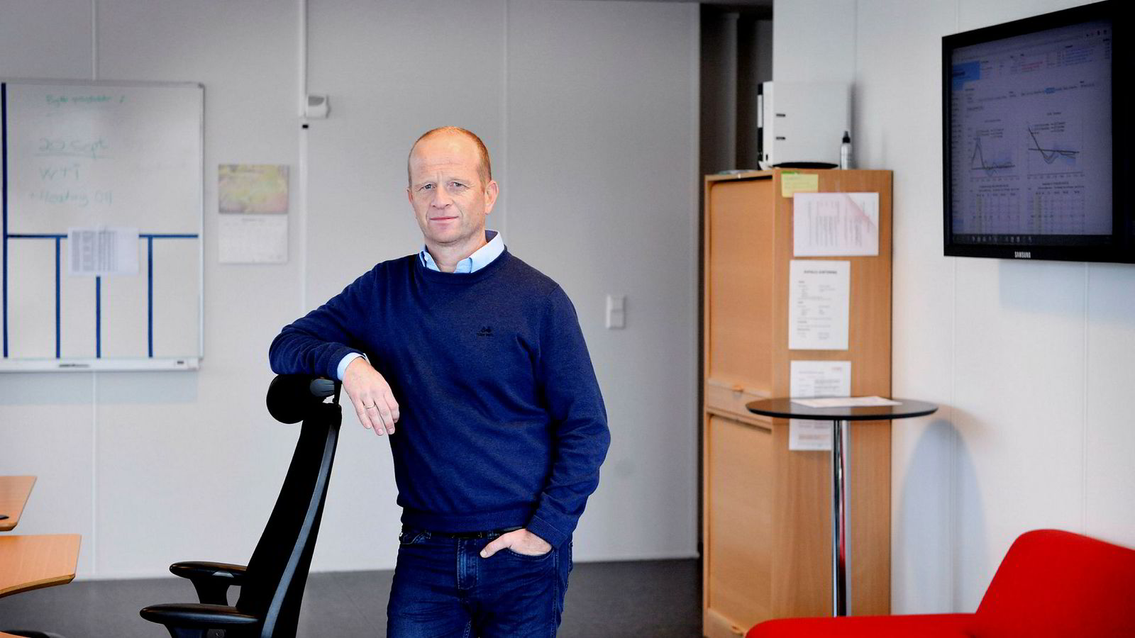 – Vi har nå faktisk tatt en liten posisjon i samme retning som den Einar Aas hadde før han ble tvangssolgt, sier daglig leder Oddgeir Løken i Kirkesundet Kraft.