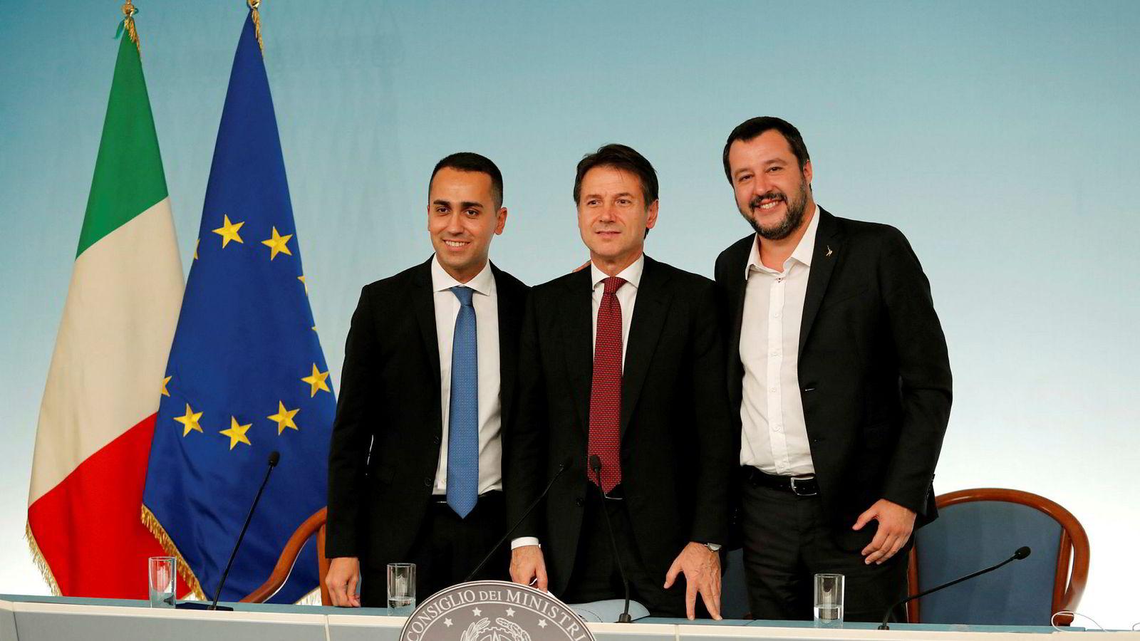 Femstjernersbevegelsens Liuigi Di Maio, statsminister Giuseppe Conte og innenriksminister og Ligaens leder Matteo Salvini skal være enige om nytt budsjett.