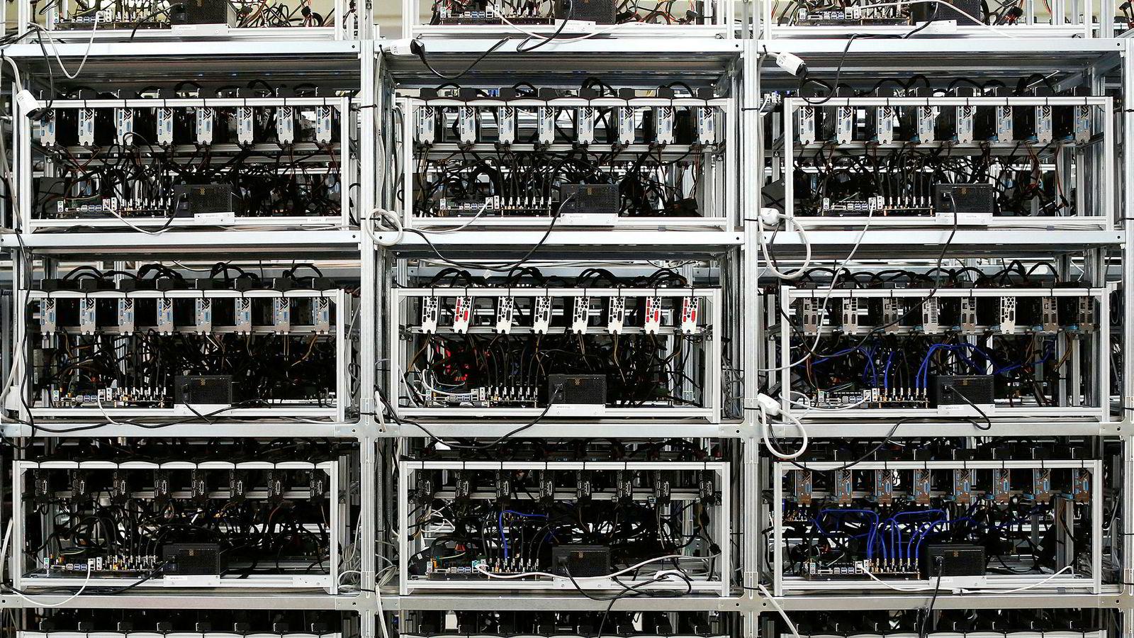QuadrigaCX var Canadas største kryptovalutabørs. Grunnleggeren drev børsen fra en kryptert, bærbar datamaskin. Passordet til datamaskinen, og verdier på minst 1,7 milliarder kroner, tok han med seg i døden.