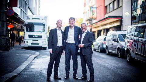Amedia og konsernsjef Are Stokstad (til venstre) overtar Nettavisen og sjefredaktør Gunnar Stavrum (midten), mens administrerende direktør Espen Asheim i Egmont Publishing fortsetter med bloggvirksomheten.