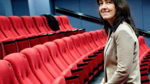 Kommunikasjonsdirektør Anne-Sissel Skånvik i Norwegian reagerer sterkt på påstander om at piloter har fått telefoner med tilbud om overgang til OSM. Foto: Fartein Rudjord