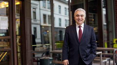 IEAs toppsjef Fatih Birol mener utviklingen med fallende investeringer i fornybare energikilder er urovekkende.