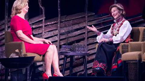 NRKs talkshowdronning Anne Lindmo intervjuet dronning Sonja under markeringen av Den Norske Turistforenings 150-årsjubileum i Oslo Spektrum i januar.