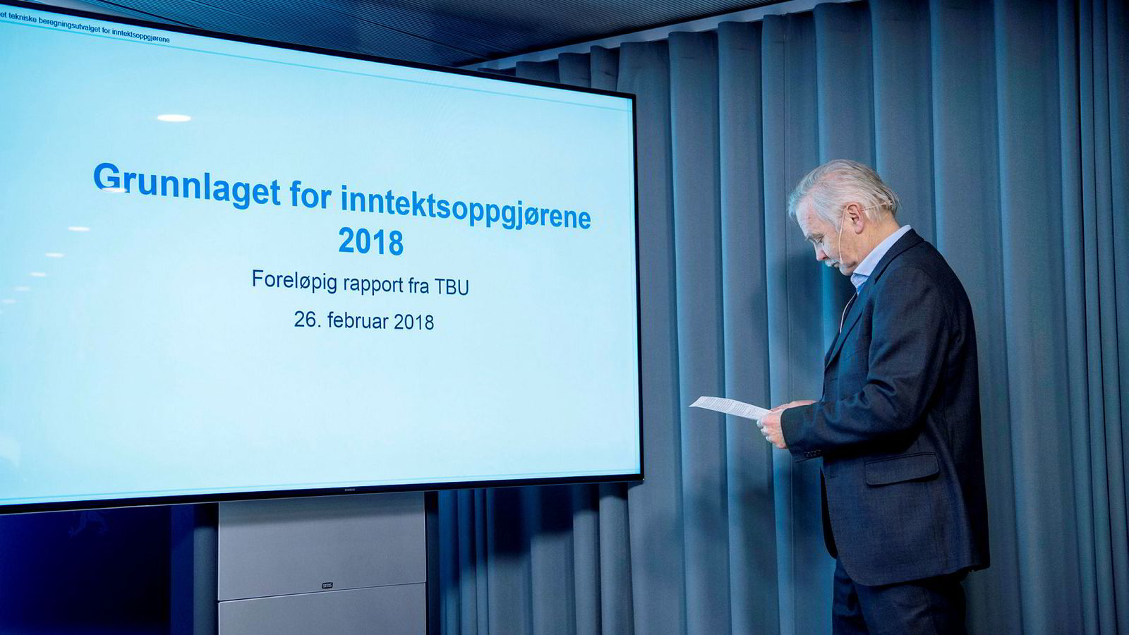 Ådne Cappelen leder Teknisk Beregningsutvalg legger frem nøkkeltall i forkant av årets lønnsoppgjør. Foto: