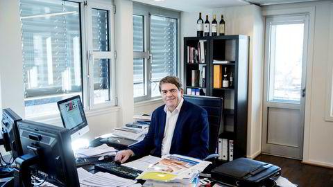 Investor Jan Petter Sissener bidrar med nye 28 millioner kroner i Nel etter at selskapet sikret seg en storkontrakt med den amerikanske lastebilprodusenten Nikola Motor Company.