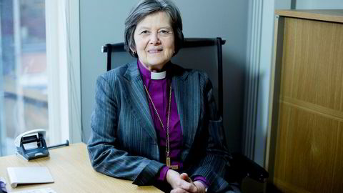 Biskop Helga Haugland Byfuglien hiver seg inn i debatten om hvordan EU skal takle migrantkrisen.