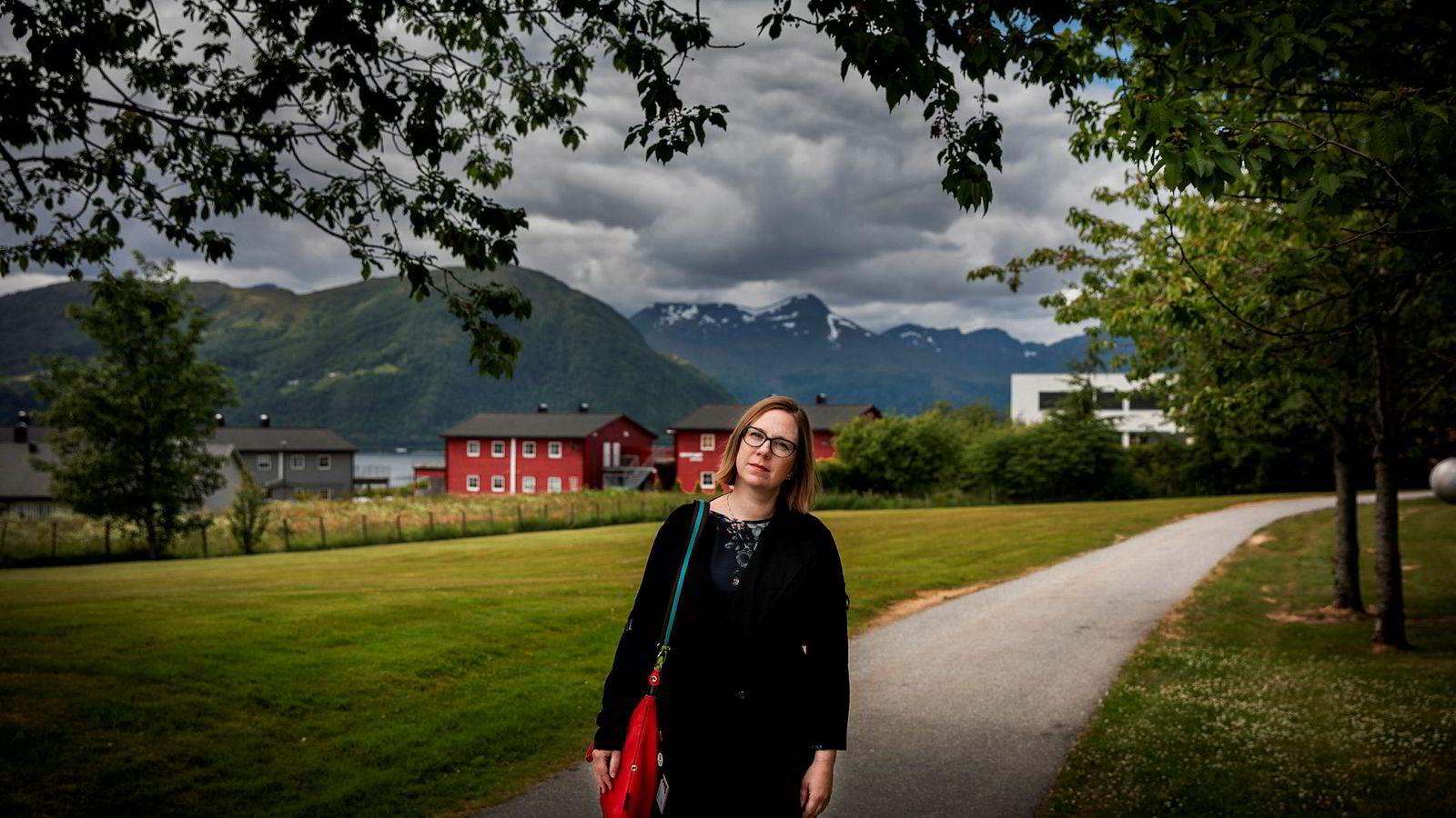 Audhild Gregoriusdotter Rotevatn har vært journalist og redaktør. Nå er hun dekan ved Høgskulen i Volda.