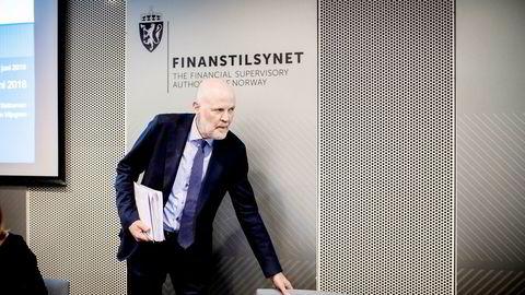 Finanstilsynets direktør Morten Baltzersen er bekymret for at tilsynet skal bli et klimapolitisk organ. Han kan hente inspirasjon fra Bank of England og Oljefondet.