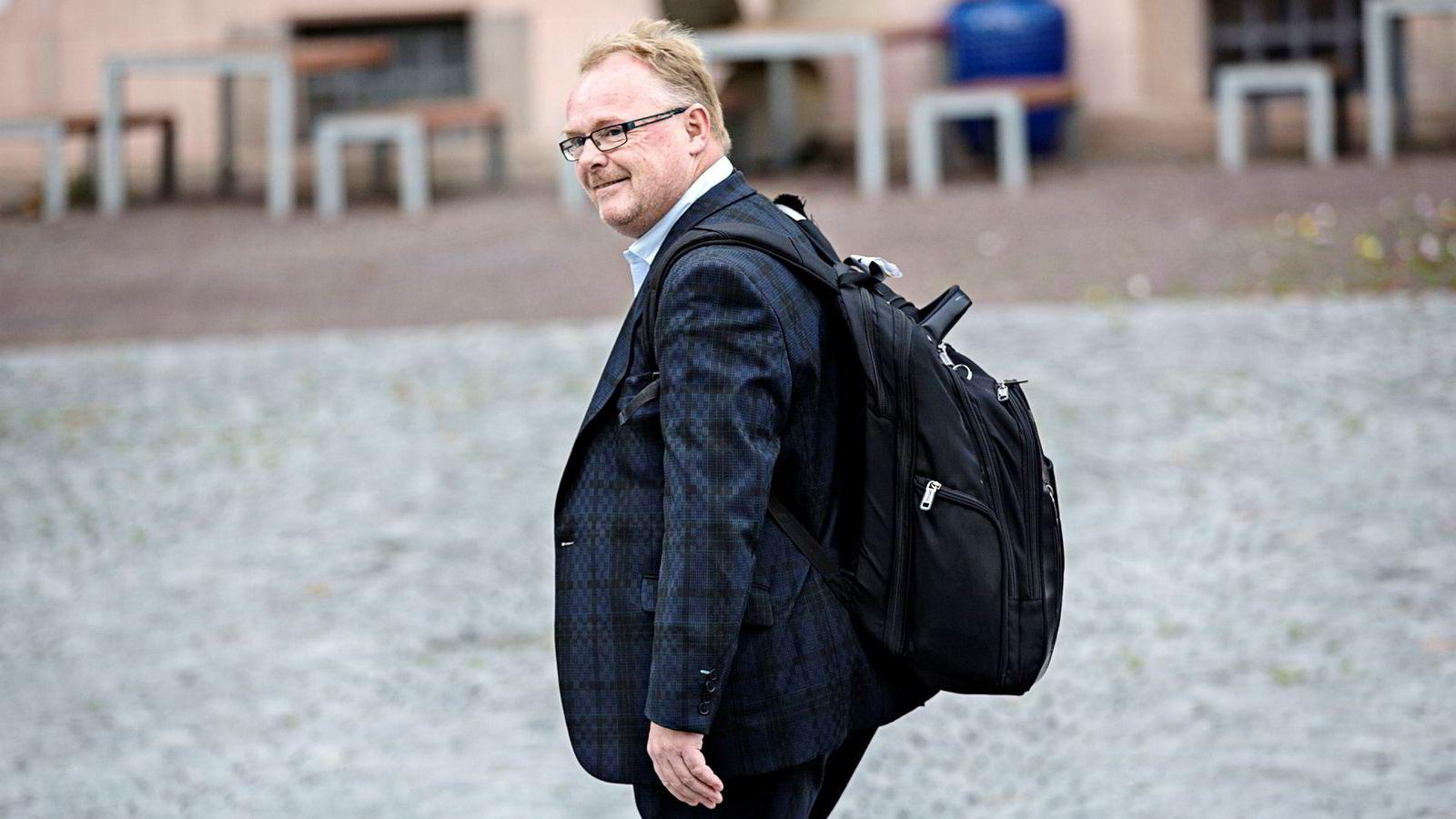 Fiskeriminister Per Sandberg, for tiden også innvandringsminister, frykter hva som vil skje dersom Ap liberaliserer politikken for enslige mindreårige asylsøkere.