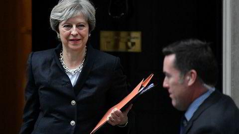 Storbritannias statsminister Theresa May er under hardt press, og hun må innse at brexitforhandlingene med EU har gått fullstendig i stå.