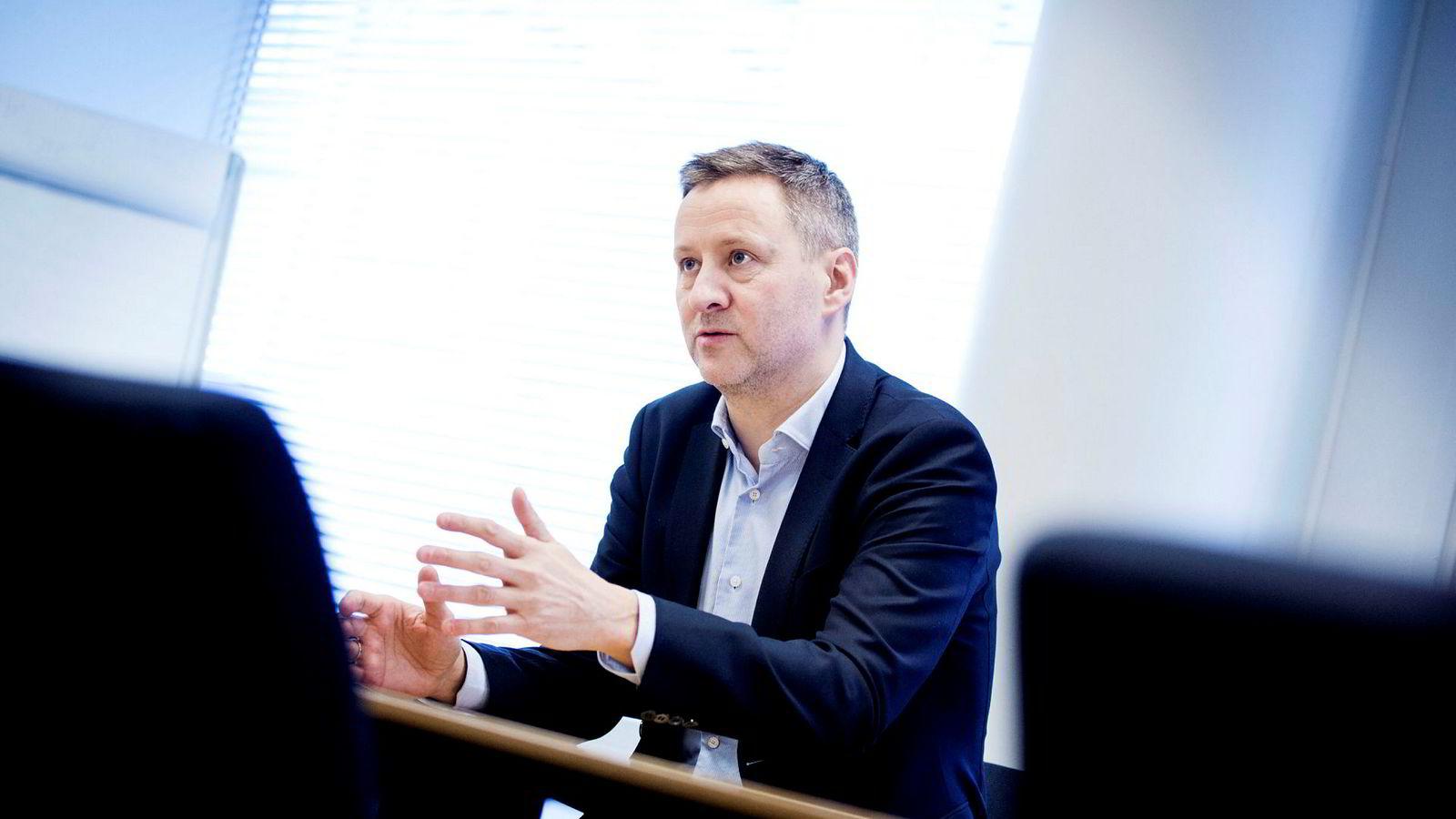 Sjeføkonom i Danske Bank, Frank Jullum, har lenge ment at det er gode muligheter for tre rentehevinger i år. nå kan han få rett.
