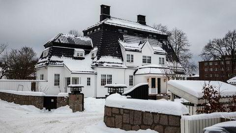 Madserud allé er en av hovedstadens mest eksklusive adresser, beliggende mellom Frognerparken og Skøyen. Hvor godt det egentlig sto til med denne praktvillaen i alleen da den ble solgt i 2016, er kjøper og selger svært uenige om.