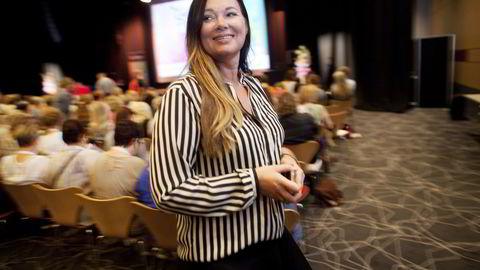 Hotelldirektør Laila Neverdahl på Clarion Energy i Stavanger fryder seg over at det nå løsner skikkelig i markedet for kurs og konferanser. Når DN er på besøk er det fullt hus med 600 deltagere i regi av Den norske legeforening. Foto: Tomas Larsen