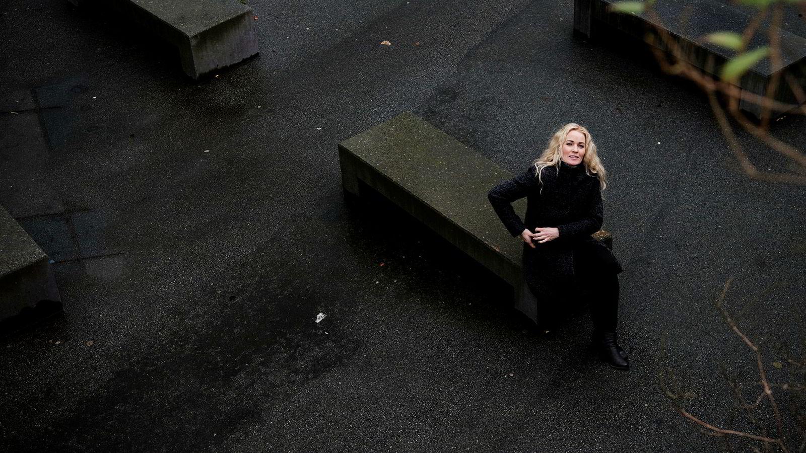 – Jeg synes det var kjempeflaut og ville ikke be om hjelp, sier Cecilie Lone (41) som fortsatte å gå på jobb selv om hun ble utbrent i 2012.