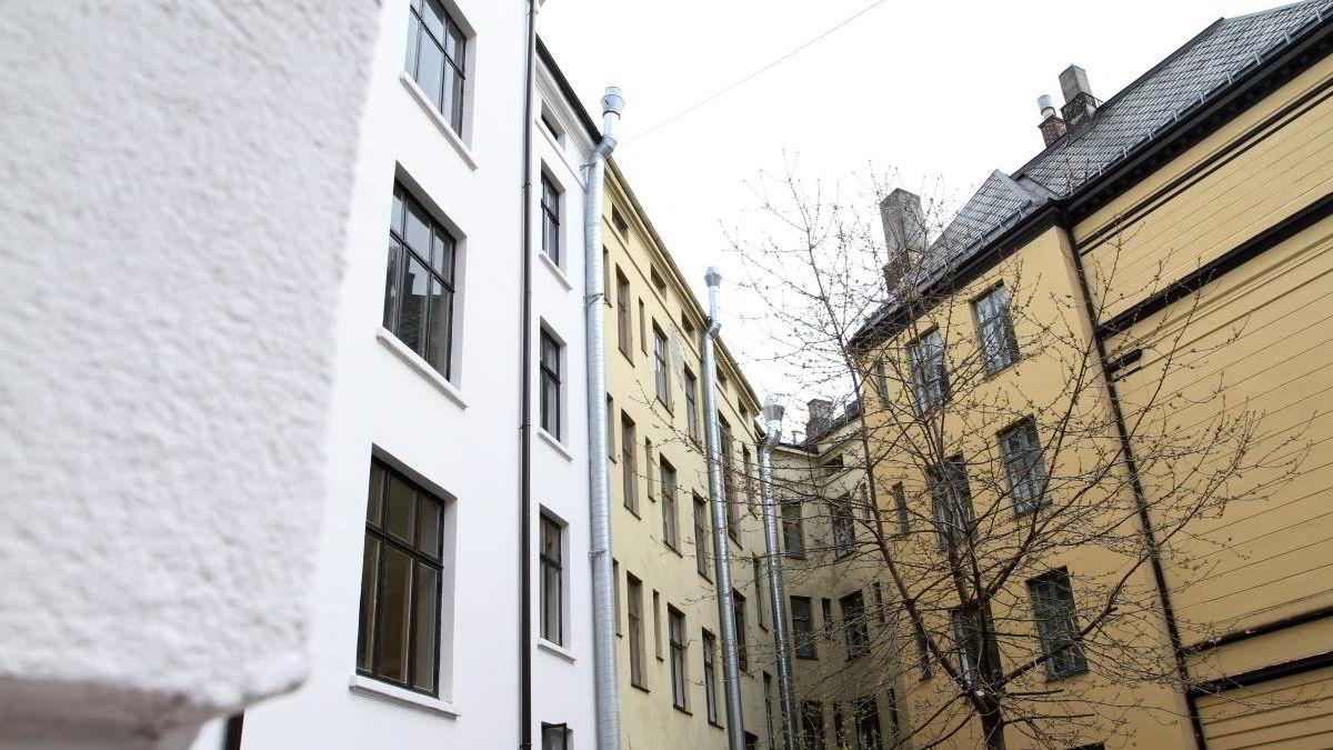 - Dersom man har tenkt å kjøpe seg en bolig fordi man trenger et sted å bo selv, vil det være fornuftig å kjøpe likevel, sier seniorøkonom Kyrre Aamdal i DNB Markets.