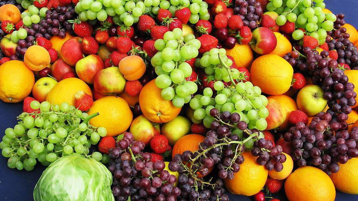 Det er både mindre gift og flere antioksidanter i økologisk frukt og grønnsaker.