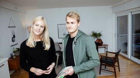 Tuva Røkke og Stian Kielland Garvik er på jakt etter sin første bolig. De regner med å bli boende lenge, og bekymrer seg ikke for at boligmarkedet trolig vil flate ut de neste årene.