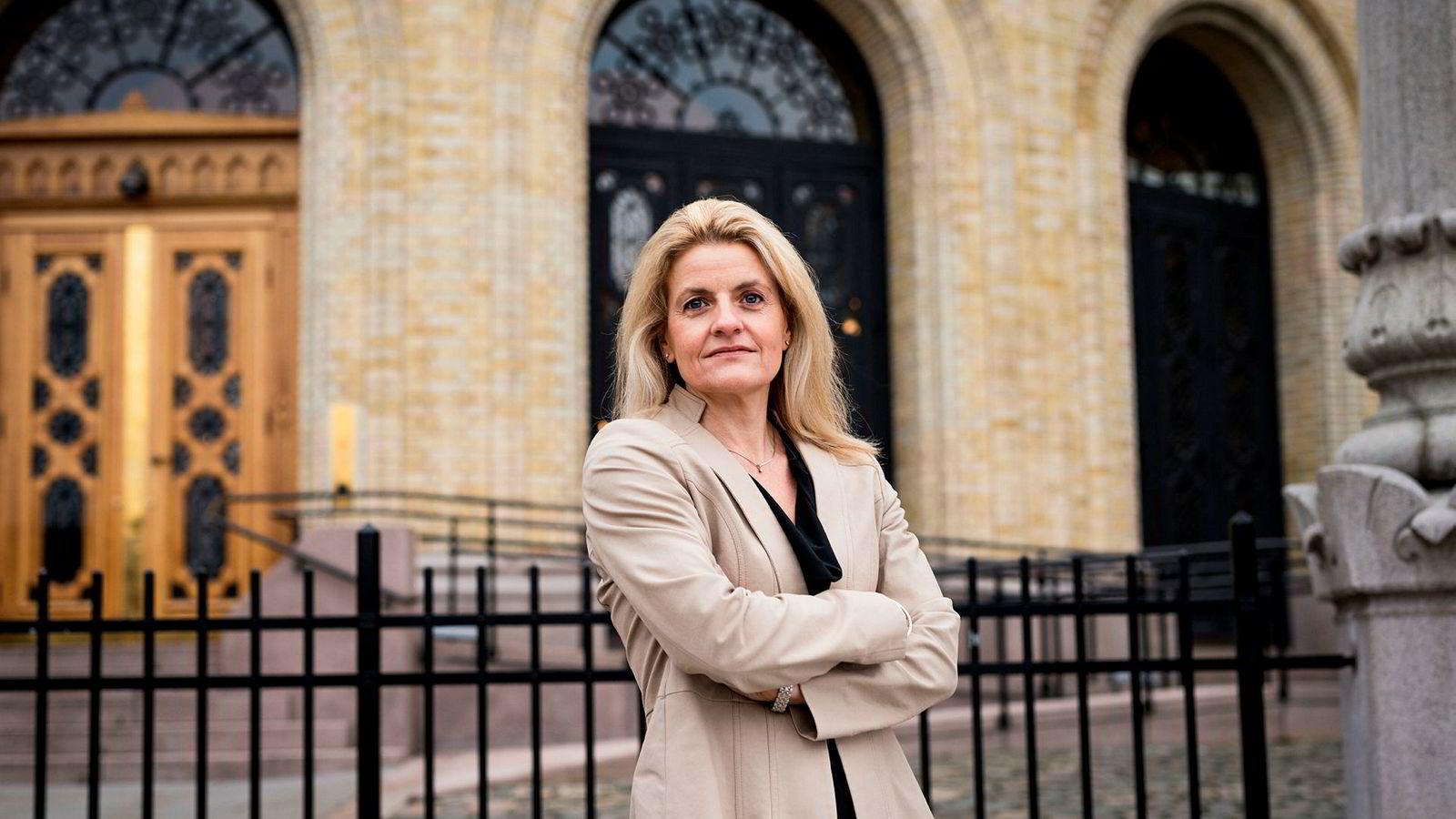 Forbrukerrådets direktør Inger Lise Blyverket mener DNB trenerer saken med å anke.