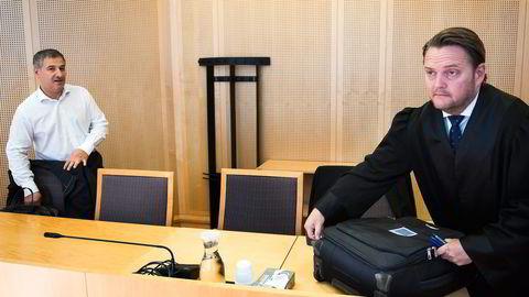 Restauranteier Mohsen Gargari (til venstre) og selskapet hans tapte erstatningssaken mot Ringnes. Gargaris prosessfullmektig Joar Heide Ræder varsler anke.                    Foto: Per Ståle Bugjerde