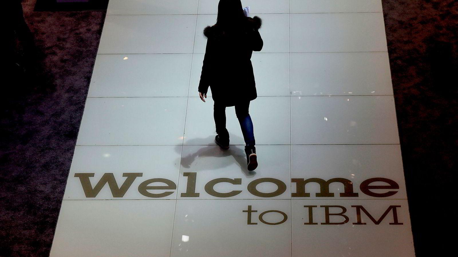 IBM står anklaget for å ha kvittet seg med inntil 100.000 eldre ansatte for å kunne fremstå som et mer ungdommelig og attraktivt selskap for yngre arbeidssøkere.