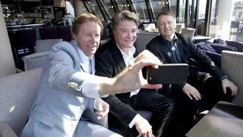 Algeta-gründer Roy Larsen (i midten) har bygget Algeta og Nordic Nanovector til milliardselskaper. Nå forsøker han seg igjen.                   Rund ham sitter Per Samuelsson (fra venstre) og Bjørn Odlander i HealthCap, som i 2014 investerte i Nordic Nanovector.                    Foto: Javad Parsa