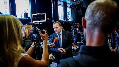 Sveriges statsminister Stefan Löfven frir til sentrumspartiene som i dag er en del av den borgerlige Alliansen.