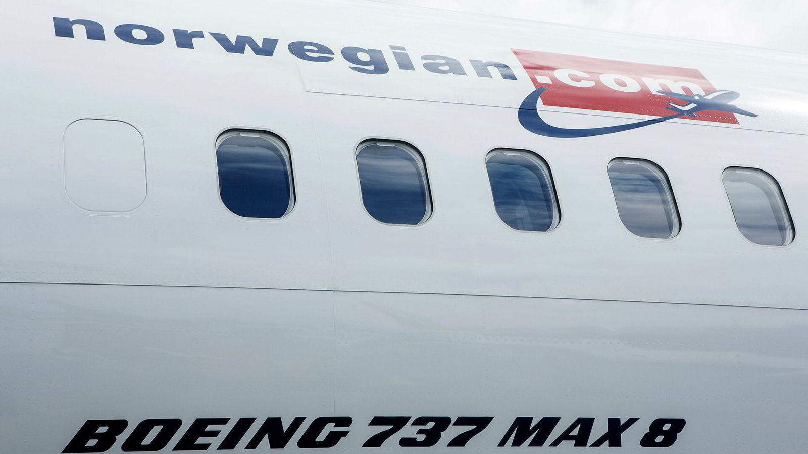Norwegian skal ta imot første leveranse av Boeing 737 Max flyet. Norwegians første 737 max på Boeing Delivery Center i Seattle.