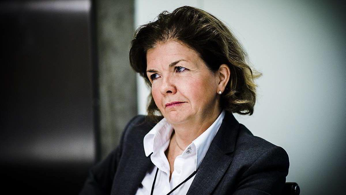 BEKREFTER. Direktør for markedstilsyn i Finanstilsynet, Anne Merethe Bellamy, trekker tilbake Warren Capitals konsesjon til å drive verdipapirvirksomhet. Foto: