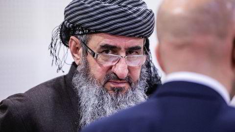 Mullah Krekar på rettsmøte i Borgarting lagmannsrett sammen med forsvarer Brynjar Meling (t.h) Foto: Gorm Kallestad /