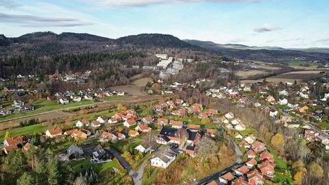 Nordre Nes Gård på Haslum i Bærum er nå solgt. Etter planen skal låven bygges om til leiligheter.
