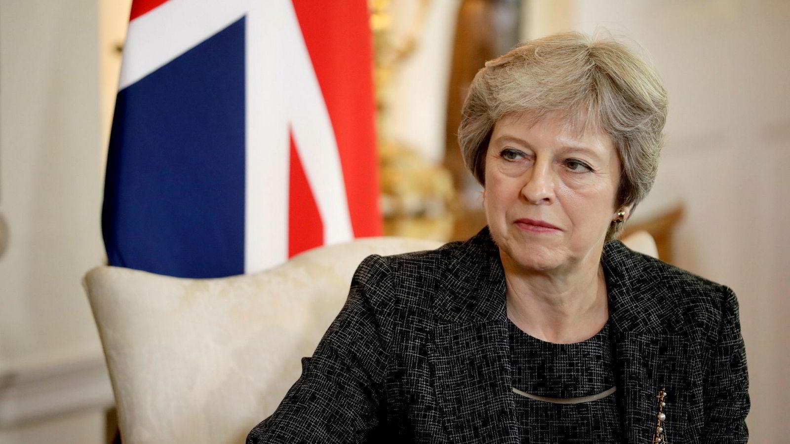 Storbritannias statsminister Theresa May sliter med motstand i eget parti.