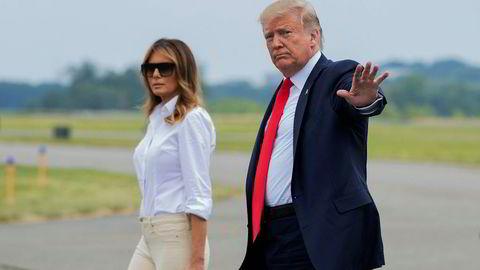 President Donald Trump og kona Melania Trump fotografert i New Jersey fredag. Trump har en reell mulighet til å bli gjenvalgt selv om administrasjonen hans fremstår som inkompetent, mener den britiske ambassadøren i Washington.