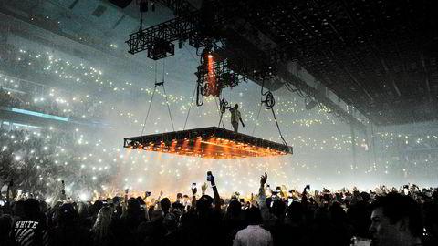 Kanye West er en av artistene som skal ha fått fordeler av manipulasjonen med lyttertall. Her fra en konsert i Chicago i oktober 2016.