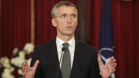 Jens Stoltenberg ledet tirsdag sitt første utenriksministermøte som Natos generalsekretør.  REUTERS/Ints Kalnins