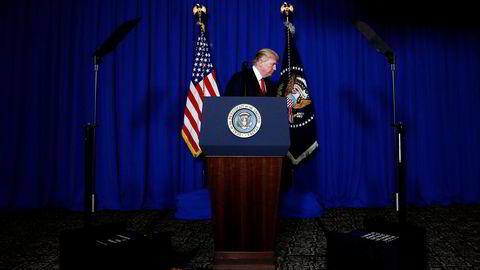 Rakettangrepet mot den syriske luftbasen Al-Shayrat er USAs første direkte militære intervensjon mot den syriske regjeringen og president Bashar al-Assad. Her fra pressekonferansen torsdag der presidenten forklarte bakgrunnen for angrepet.
